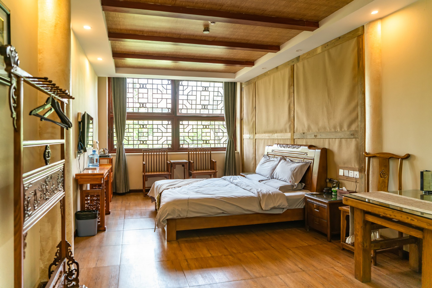 interior-view-chinese-style-guest-room